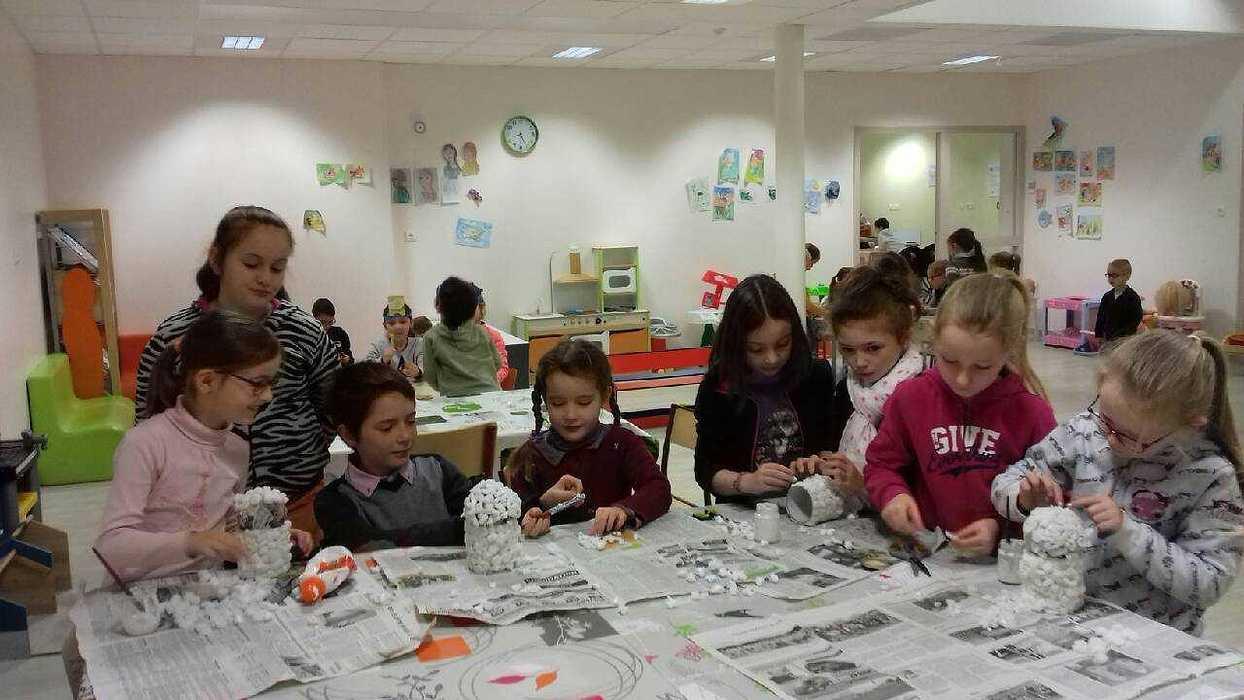 Travaux réalisés par les enfants à la garderie. 20181210082629